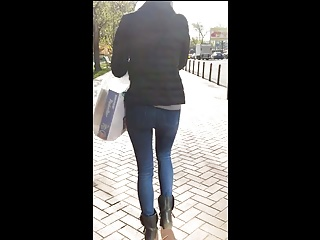 Booty ass in tight jeans