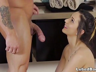 Jaye Summers does nuru massage on a gym guy