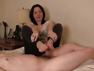 Housewife footjob