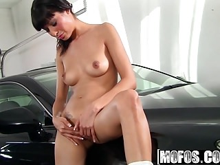 Mofos - Shes A Freak - Athena Amour - Going For A Deep Ride
