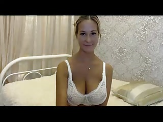 Huge tits Gerda from big bra to suckling