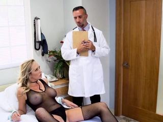 Doctor bangs blonde in bodyhose