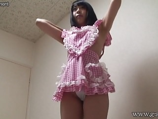 Naked japanese girl wears maid's clothes