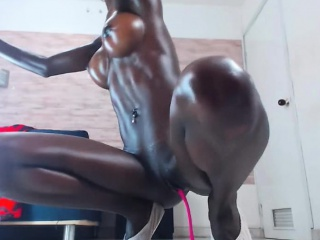 DARK TEEN PLAYING WITH HER ASSHOLE
