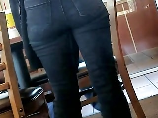 Candid Ass in Jeans