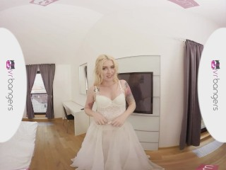 VR PORN - HOT BRIDESMAID FUCK BEFORE WEDDING