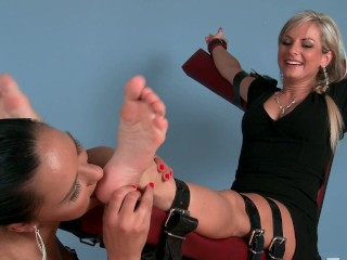 Lesbian Foot Tickle Lickle 003
