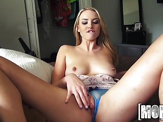 Mofos.com - Cosima Dunkin - I Know That Girl