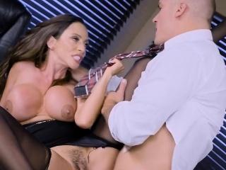 Office Slut Ariella Ferrera Gets Dicked Down By Boss