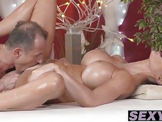 Big boobs and sexy Jasmine Jae takes on a big stiff cock