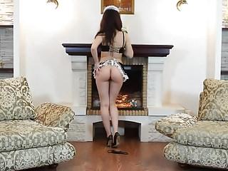 Caroline - sexy maid