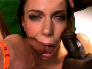 Slut gives oral blowjobs and gets facials