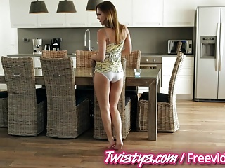 Twisyts - Cherie Deville and Jenny Appach