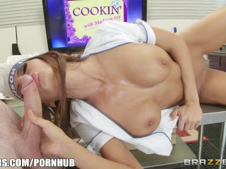 Madison Ivy know how to work her meat - Brazzers