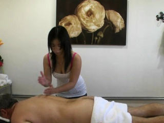 Asian masseuse sixtynines her client