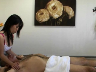 Asian masseuse bouncing on clients dong