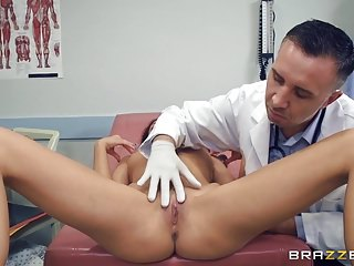 Brazzers - Kara Faux - Doctor Adventures